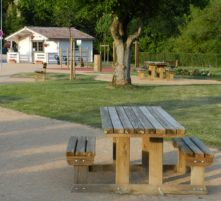 picnic area at the river stop of thoissey
